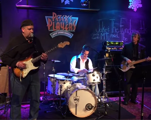 Riley B King – New Year's Eve at Peter's Players